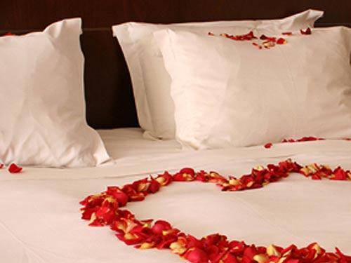 Markazia-monroe-honeymoon[1]