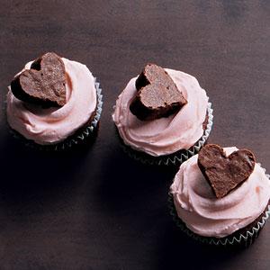 Martha-heart-cupcakes-lg